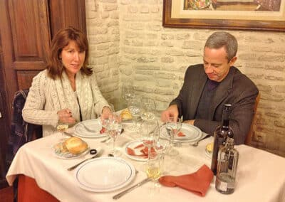 Two people at a wine tasting in el Rinconcillo Sevilla