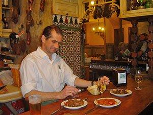 Food and wine tasting on tapas tours